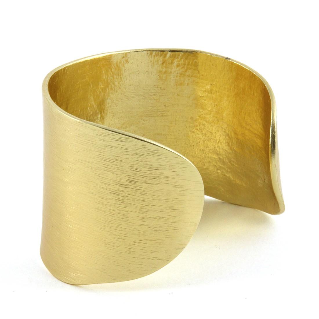 manchette dor e or fin little woman paris bracelets les cr ateurs de paris. Black Bedroom Furniture Sets. Home Design Ideas